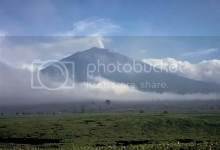 Mount Kerinci, Sumatra, Indonesia (picture by Tom Casadevall, USGS, 1987)