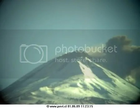 Phreatic eruption at Llaima, 1 June 2009. Image captured at 11:23 local time (Image copyright POVI.)