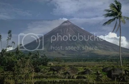 Mayon Volcano, Philippines, 1968. (Photo: Kurt Fredrickson, Smithsonian Institution)
