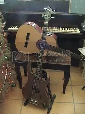 Bajo, Guitarra, Piano
