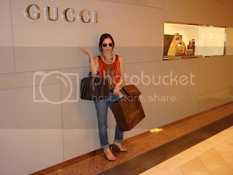 gucci store, boutique