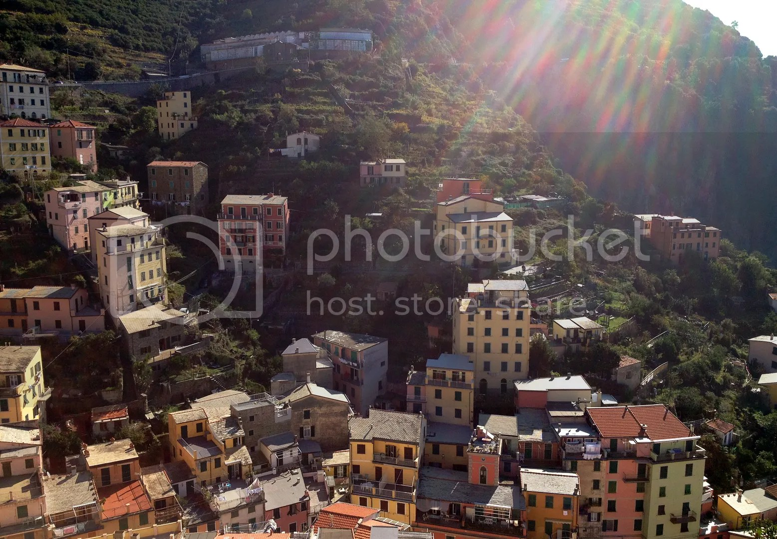 photo Riomaggiore-Village1_zpsydw2pqdf.jpg