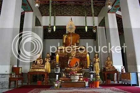 พระพุทธรูปปางแสดงธรรมเทศนาในพระวิหารพระนั่ง