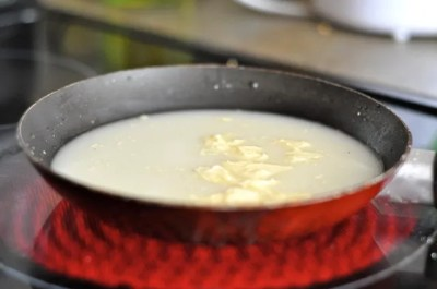 Tropical Dump Cake...perfect summer twist on a classic! https://www.lambertslately.com/2012/06/recipe-tropical-dump-cake.html