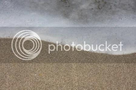Pasir dan Busa Ombak