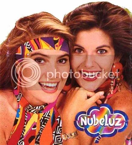 Almendra y Monica, en otros dias