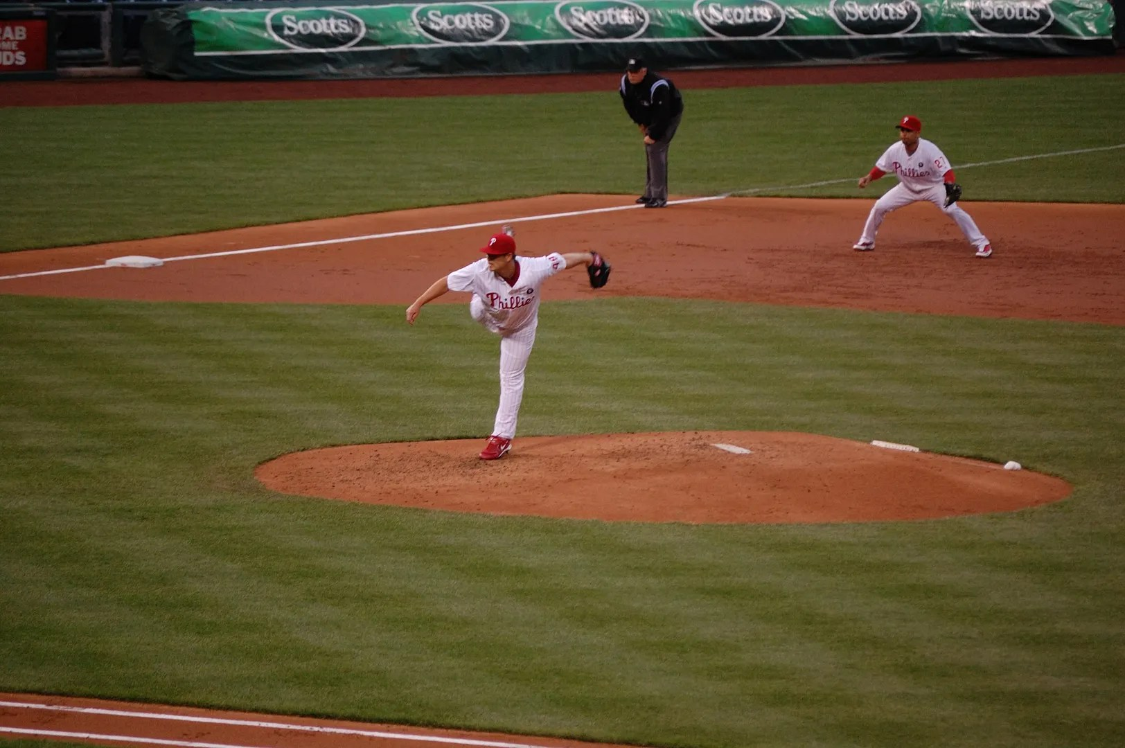 Vance Worley Pitching
