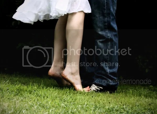 tip toes Pictures, Images and Photos