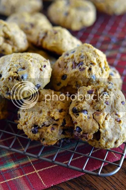 Pumpkin-Pecan-Chocolate Chip Cookies | http://mybakingheart.com