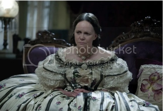sally-field-as-mary-todd-lincoln-in-lincoln_zps66213b72.jpg