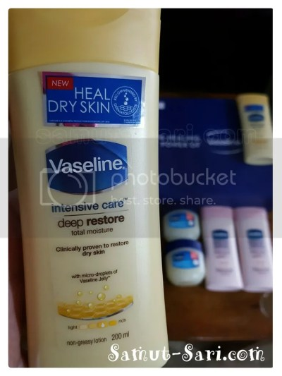 Vaseline Body Lotion with Petroleum Jelly
