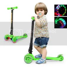Enjoy A Great Riding Experience With Flashing Wheel Scooter