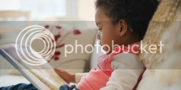 photo black-girl-reading.jpg
