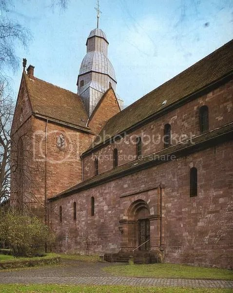 Abada_Amelungsborn_02.jpg Amelungsborn Abbey (Exterior) picture by AngloLuterano