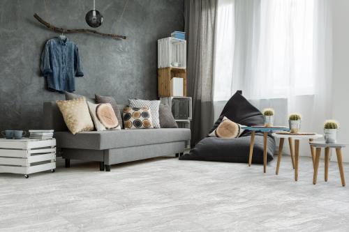 nepal gray porcelain tile 18 x 18