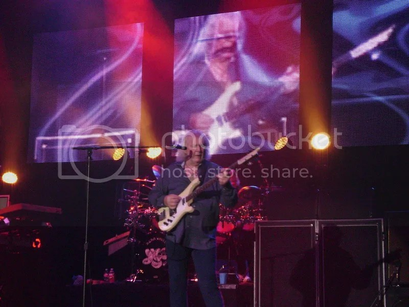 photo 25 - Yes - In Concert - Houston_TX 05 Aug 2014 - photo by Gary Brown_zpsjuthyxca.jpg