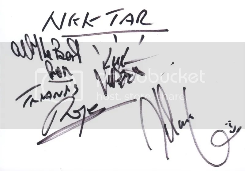 photo Nektar - autographs_zpsepzrvvqb.jpg