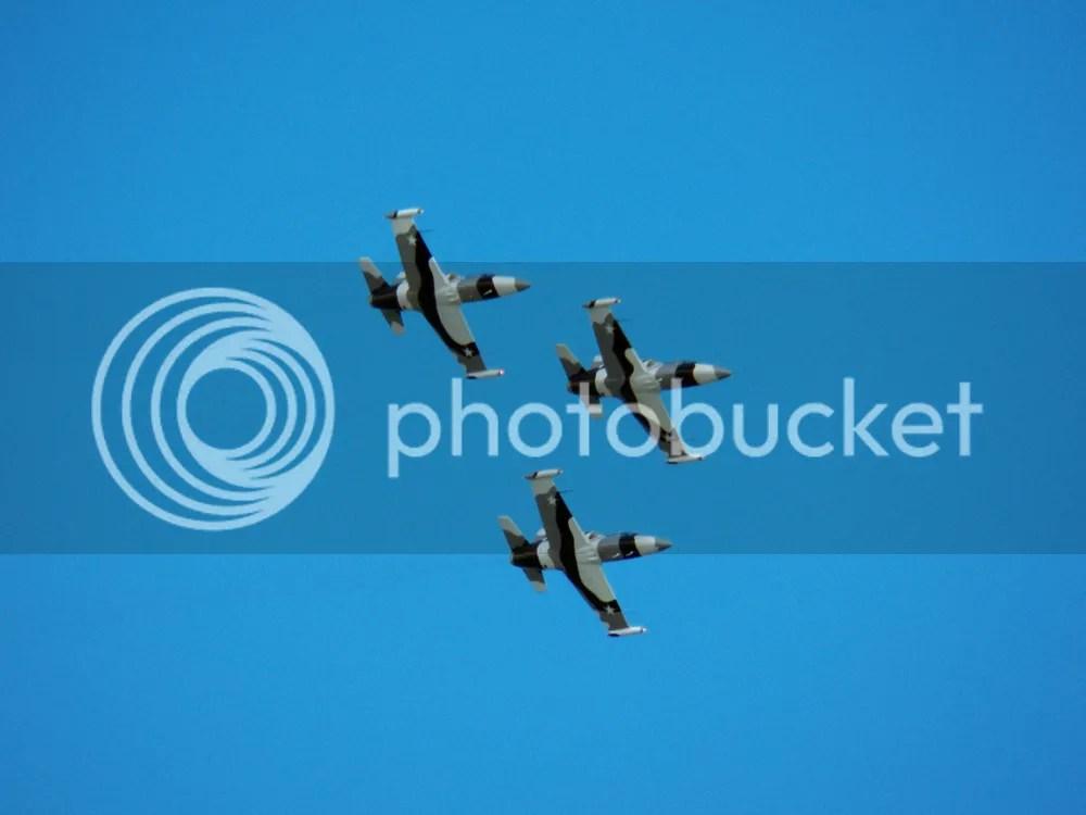 photo black-diamond-jet-team-three-planes-2.jpg