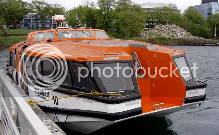 Tender boat