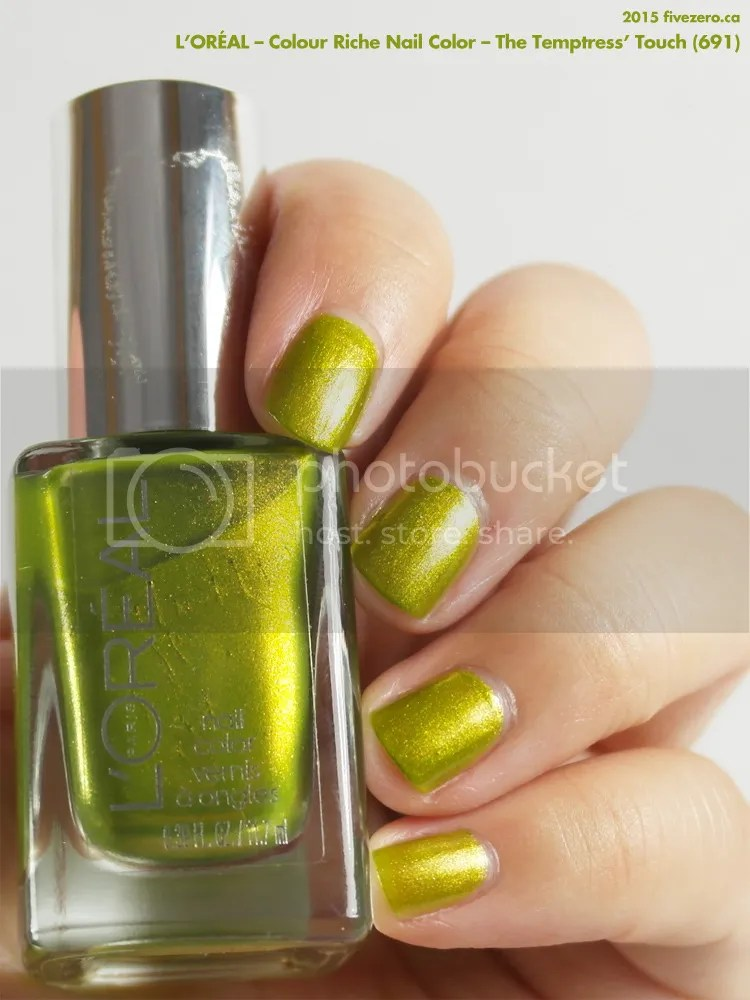 L'Oréal Colour Riche Nail Color in The Temptress' Touch, swatch