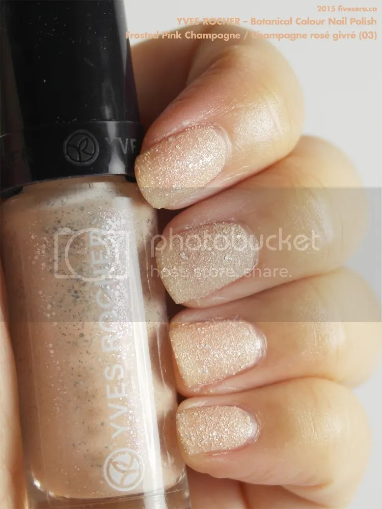 Yves Rocher Botanical Colour Nail Polish in Frosted Pink Champagne / Champagne rosé givré, swatch
