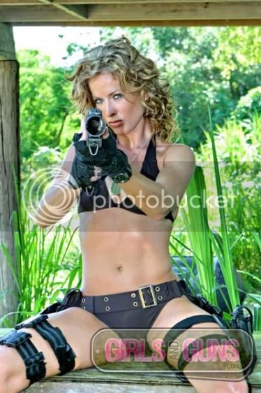 https://i2.wp.com/i83.photobucket.com/albums/j286/rentnazi/jd_girls_and_guns_1.jpg?resize=374%2C562