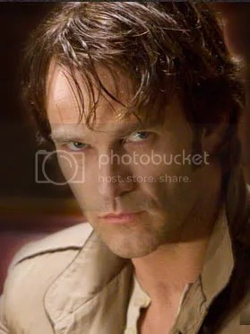 Stephen Moyer es Bill, el vampiro