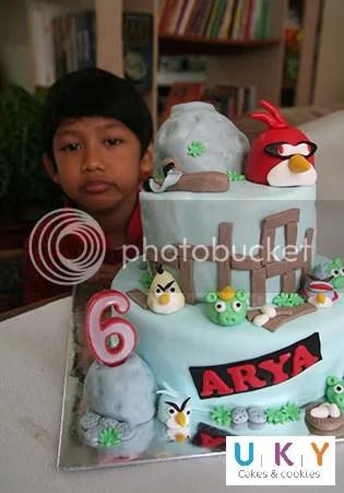 Birthday Cake angry bird space bandung