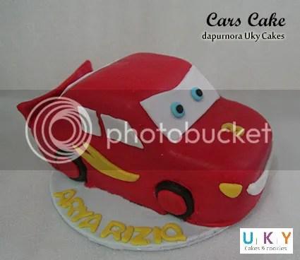 cars mc queen cake bandung