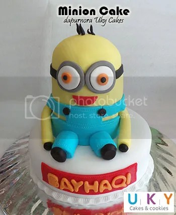Minion Birthday Cake bandung