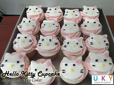 cupcake hello kitty bandung