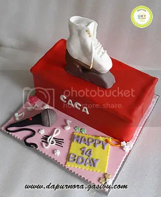 nyanyi kue ulang tahun