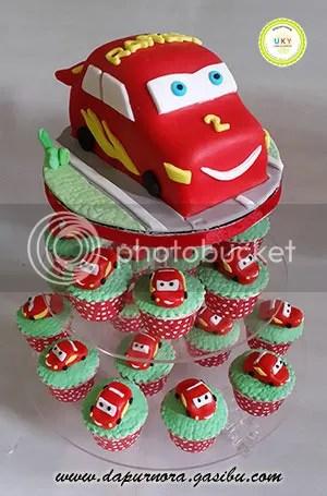 cupcake tower cars bandung