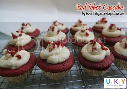 Cupcake red velvet bandung