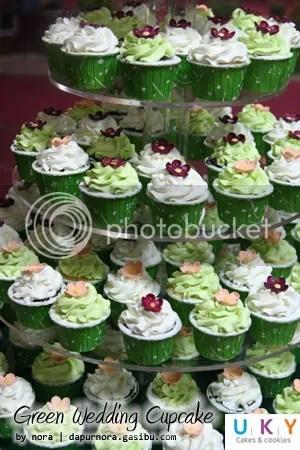 green wedding cupcake bandung