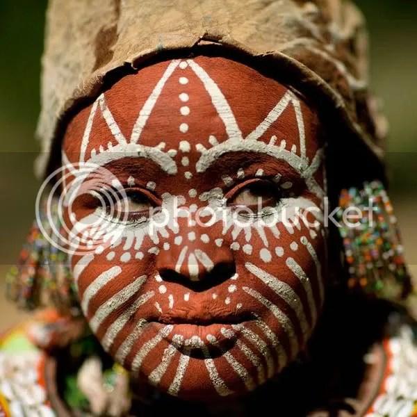 https://i2.wp.com/i834.photobucket.com/albums/zz268/fotoslamenza/galeria/tribos-africanas/026.jpg