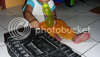 My #toshibaultrabook lebih ringan daripada kotak peralatan