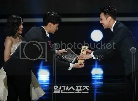 photo Baeksang 21_zpsxa8ly6jl.jpg