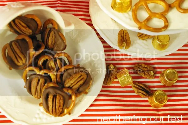 Pretzel Pecan Turtles at Poofy Cheeks Blog by Neathing Our Fest