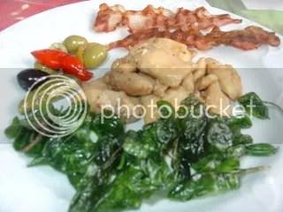 Frango oriental com espinafres fritos - Amigos do Balde