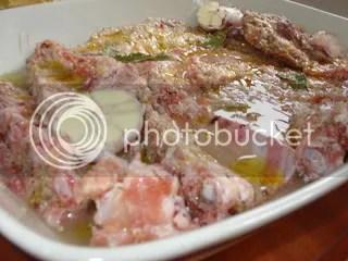 Entrecosto de porco preto com alho e rosmaninho