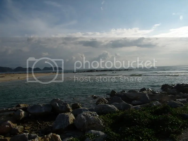 Lhoknga Beach