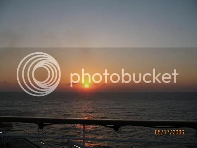https://i2.wp.com/i86.photobucket.com/albums/k88/suonglam_2006/Dulich2006%20CarnivalEcstacy/IMG_0335.jpg