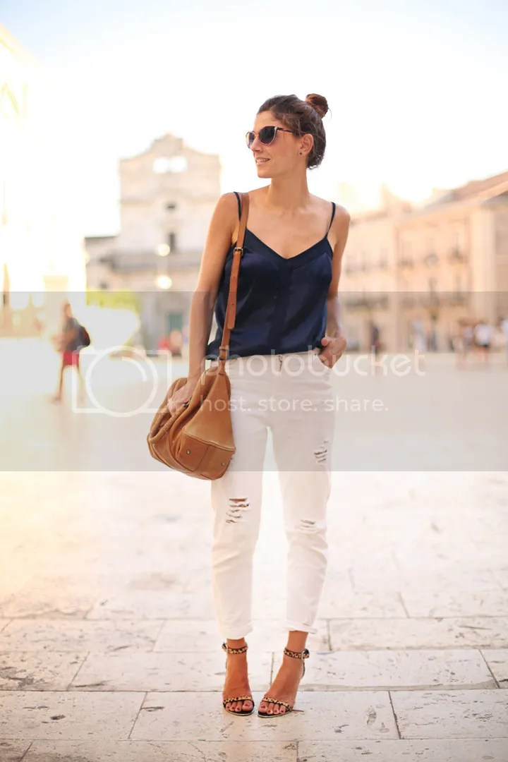 photo white_pants-blue_top-streetstyle-balamoda44_zps689095d1.jpg