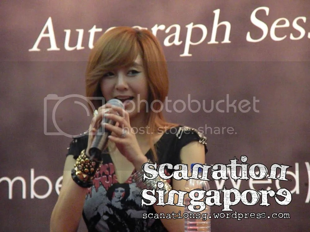 G.NA Autograph Session