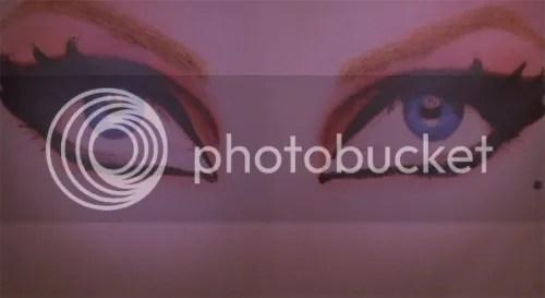 https://i2.wp.com/i869.photobucket.com/albums/ab252/ILOVEHOTDOGSBLOG/ELVIRA36.jpg