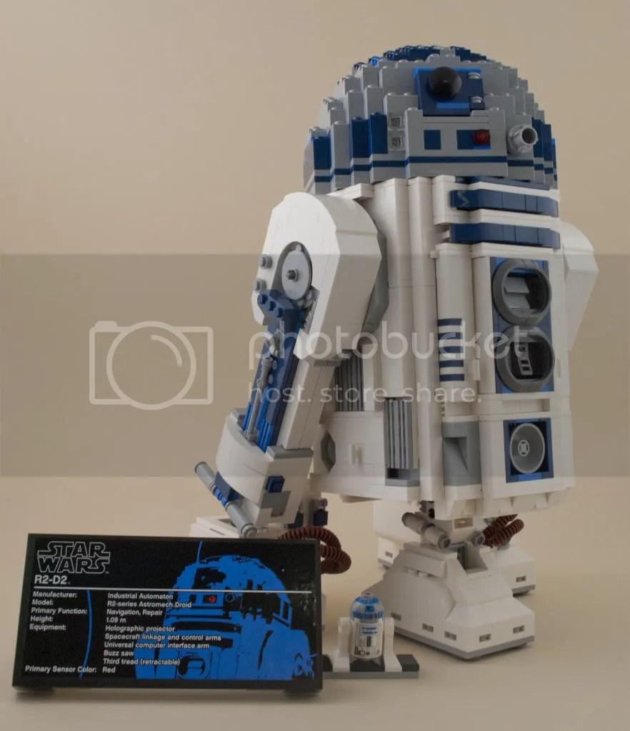 Pictorial Review: 10225 UCS R2-D2 by Solscud007