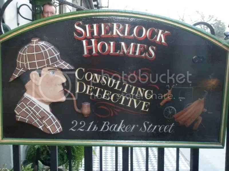 The Sherlock Holmes sign.