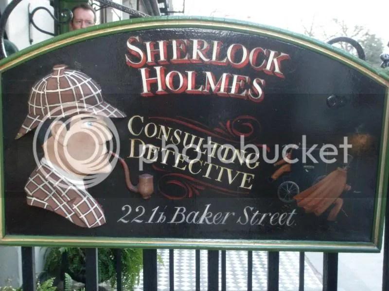 The Sherlock Holmes sign.