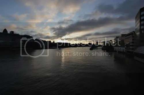 6am London Bridge Sunrise